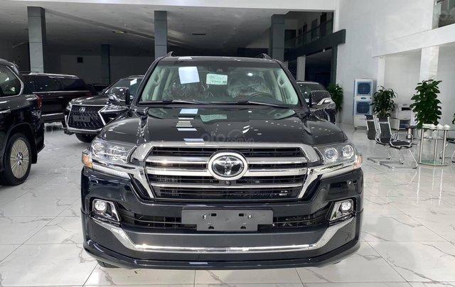 Toyota Land Cruiser 2021 máy dầu, bản cao cấp đủ đồ nhất, xe giao ngay0