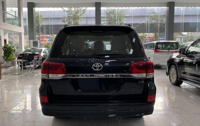 Toyota Land Cruiser 2021 máy dầu, bản cao cấp đủ đồ nhất, xe giao ngay3