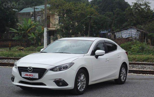 Cần bán gấp chiếc Mazda 3 1.5 AT sản xuất 2017, hoạt động lại cực kì ổn định0