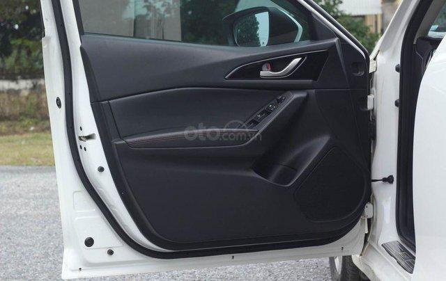 Cần bán gấp chiếc Mazda 3 1.5 AT sản xuất 2017, hoạt động lại cực kì ổn định5