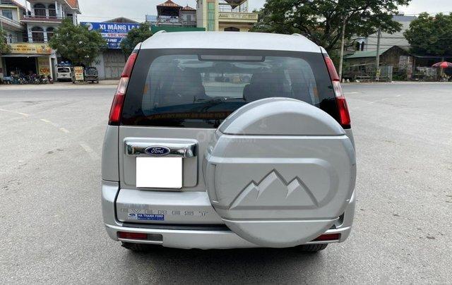 Ford Everest 2.5L 4x2MT đời 2014, màu bạc, mày dầu, số tay, 1 chủ từ mới, không lỗi nhỏ, sơn zin cả xe3