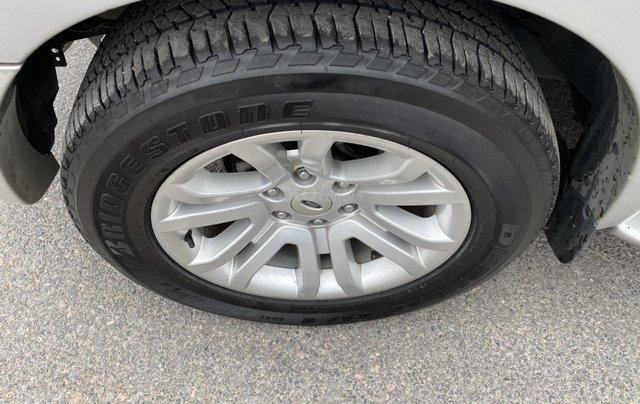 Ford Everest 2.5L 4x2MT đời 2014, màu bạc, mày dầu, số tay, 1 chủ từ mới, không lỗi nhỏ, sơn zin cả xe13