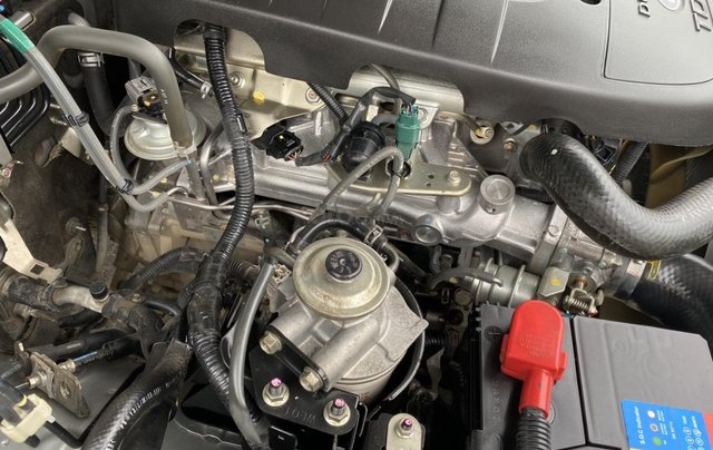 Ford Everest 2.5L 4x2MT đời 2014, màu bạc, mày dầu, số tay, 1 chủ từ mới, không lỗi nhỏ, sơn zin cả xe10