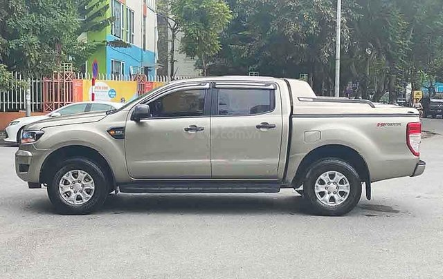 Bán xe Ford Ranger năm sản xuất 2015, màu xám, nhập khẩu nguyên chiếc còn mới0