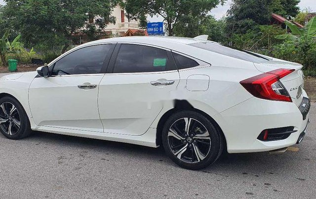 Cần bán lại xe Honda Civic sản xuất 2017, màu trắng, nhập khẩu5
