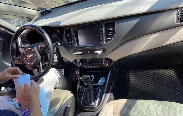 Cần bán Kia Rondo sản xuất năm 2017, xe nhập còn mới4