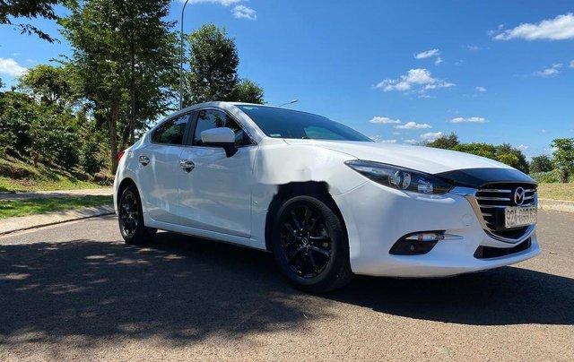 Cần bán Mazda 3 sản xuất 2018, màu trắng, 585tr2
