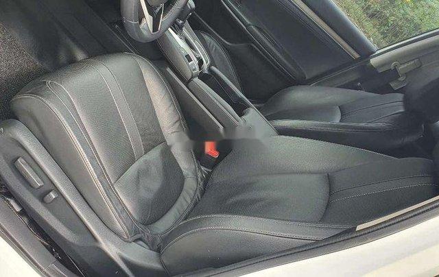 Cần bán lại xe Honda Civic sản xuất 2017, màu trắng, nhập khẩu6