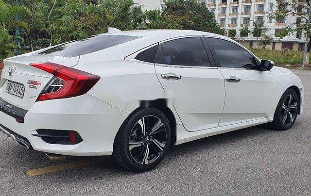 Cần bán lại xe Honda Civic sản xuất 2017, màu trắng, nhập khẩu4