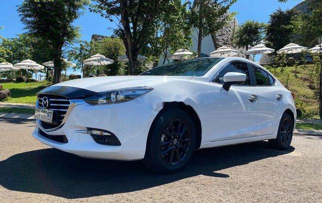 Cần bán Mazda 3 sản xuất 2018, màu trắng, 585tr1