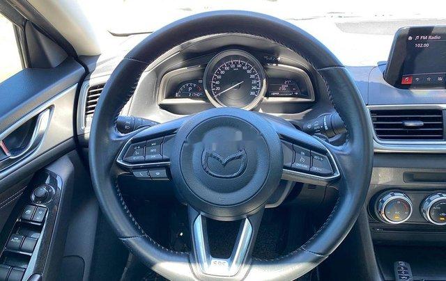 Cần bán Mazda 3 sản xuất 2018, màu trắng, 585tr9
