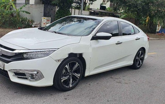 Cần bán lại xe Honda Civic sản xuất 2017, màu trắng, nhập khẩu3