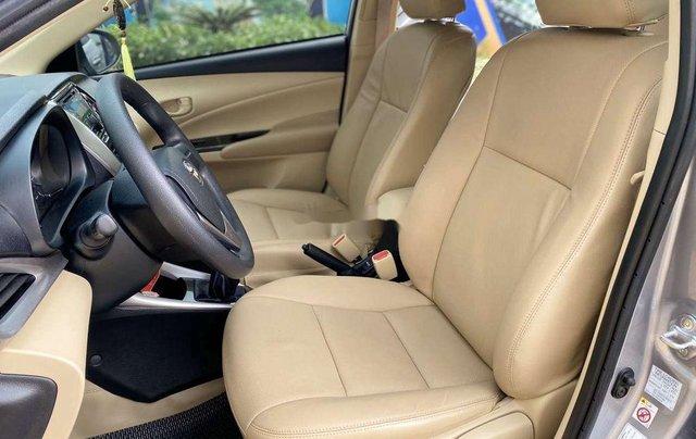 Bán xe Toyota Vios MT sản xuất 2019, xe gia đình6