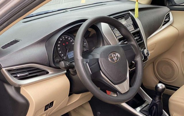 Bán xe Toyota Vios MT sản xuất 2019, xe gia đình7