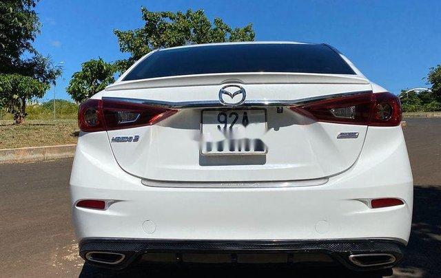 Cần bán Mazda 3 sản xuất 2018, màu trắng, 585tr4