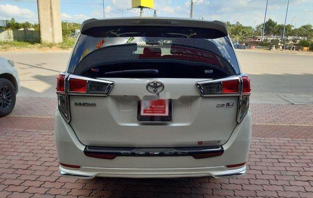 Cần bán lại xe Toyota Innova đời 2019, màu trắng, 790tr1