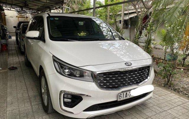 Xe Kia Sedona năm sản xuất 2020, màu trắng còn mới2