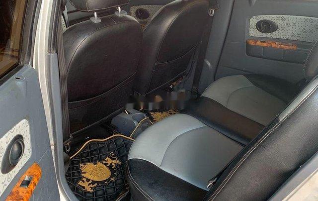 Xe Chevrolet Spark 2010, màu bạc còn mới5