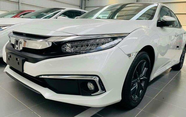 Cần bán xe Honda Civic 1.8E đời 2020, màu trắng0