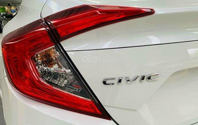 Cần bán xe Honda Civic 1.8E đời 2020, màu trắng3