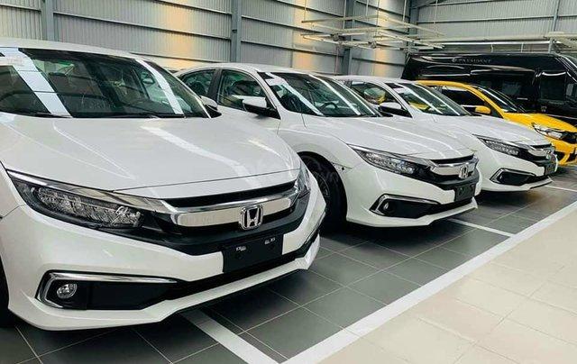 Cần bán xe Honda Civic 1.8E đời 2020, màu trắng1