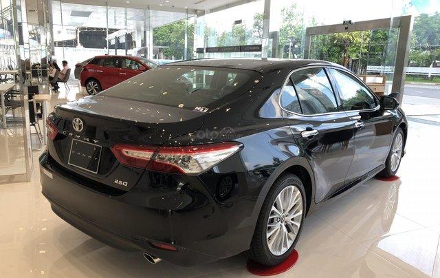 Toyota Camry 2.5Q 2020-ưu đãi lớn tri ân khách hàng dịp cuối năm-mua xe chỉ với 300tr5