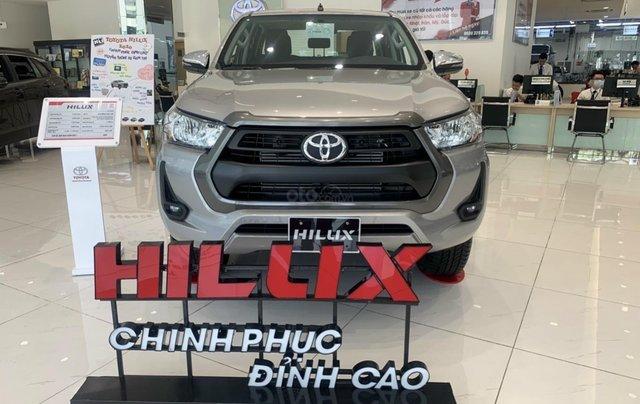Toyota Tân cảng bán Toyota hilux 2021 máy dầu số tự độn - nhiều ưu đãi lớn tri ân khách hàng cuối năm0