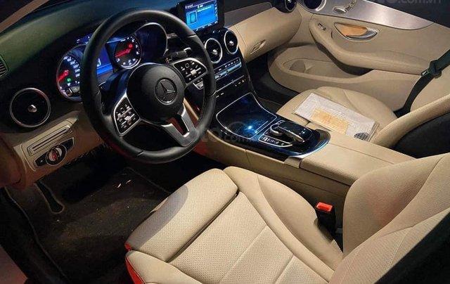 Bán Mercedes C180 đời 2020, chính chủ đi, sử dụng ít4