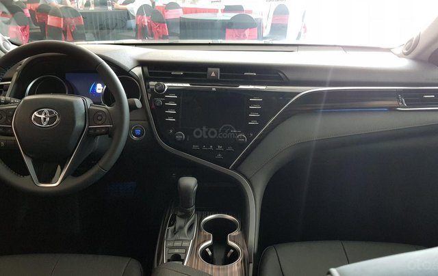 Toyota Camry 2.5Q 2020 mới full option7