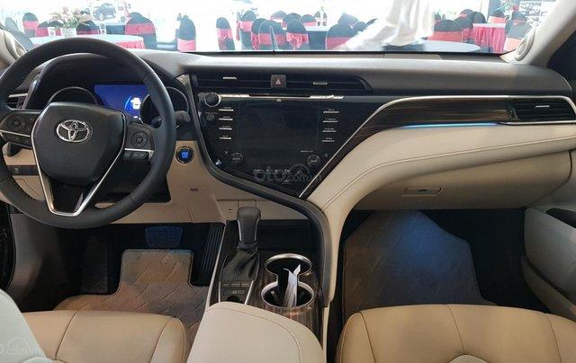 Toyota Camry 2.5Q 2020 mới full option10