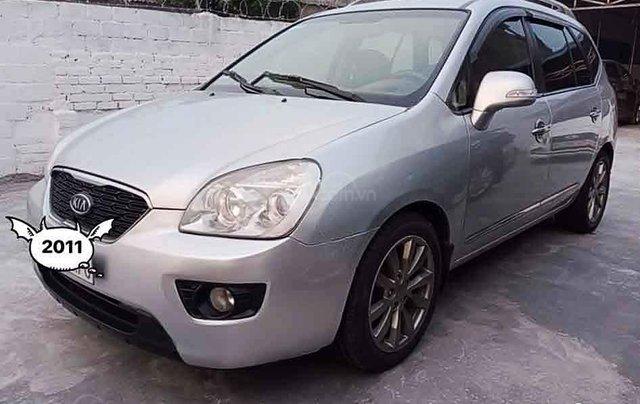 Cần bán Kia Carens năm 2011, màu bạc, giá tốt0