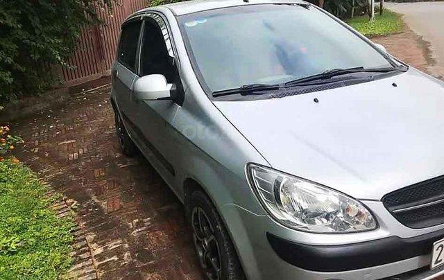 Bán xe Hyundai Getz 1.1 MT sản xuất năm 2010, màu bạc, xe nhập0
