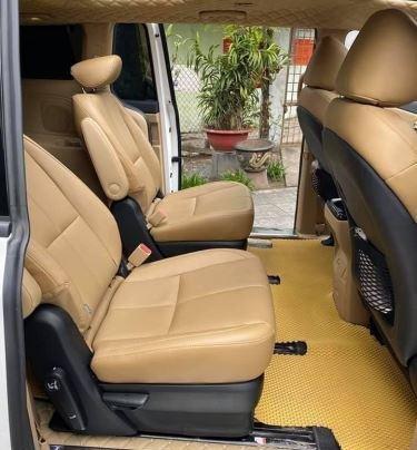 Xe Kia Sedona năm sản xuất 2020, màu trắng còn mới8