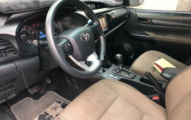Cần bán gấp Toyota Hilux năm 2018, nhập khẩu Thái số tự động 6