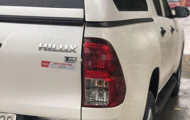 Cần bán gấp Toyota Hilux năm 2018, nhập khẩu Thái số tự động 4