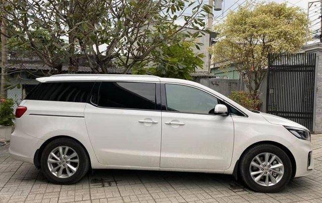 Xe Kia Sedona năm sản xuất 2020, màu trắng còn mới0