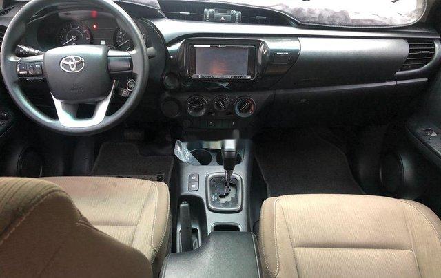 Cần bán gấp Toyota Hilux năm 2018, nhập khẩu Thái số tự động 8