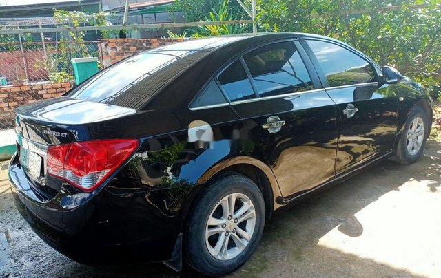 Bán xe Chevrolet Cruze 2010, màu đen xe gia đình, giá 235tr0