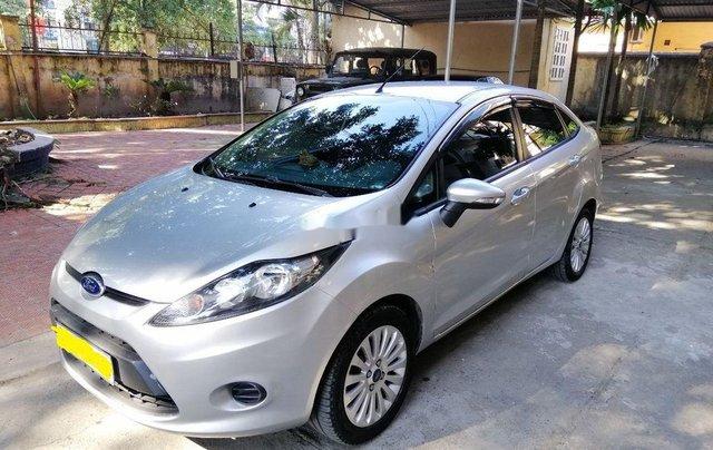 Bán xe Ford Fiesta sản xuất 2011 còn mới, giá 220tr0