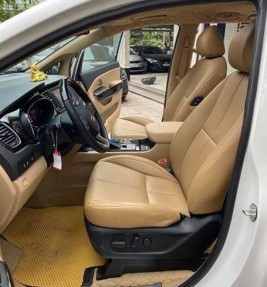 Xe Kia Sedona năm sản xuất 2020, màu trắng còn mới7