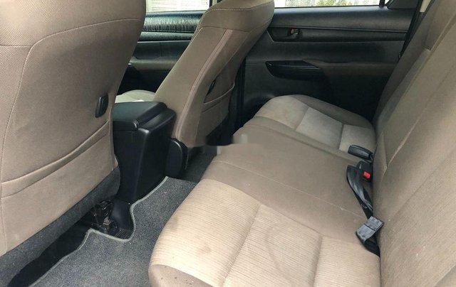 Cần bán gấp Toyota Hilux năm 2018, nhập khẩu Thái số tự động 7