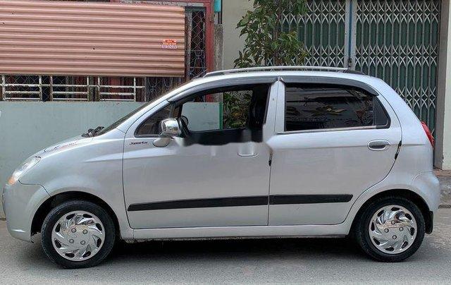 Xe Chevrolet Spark 2010, màu bạc còn mới3