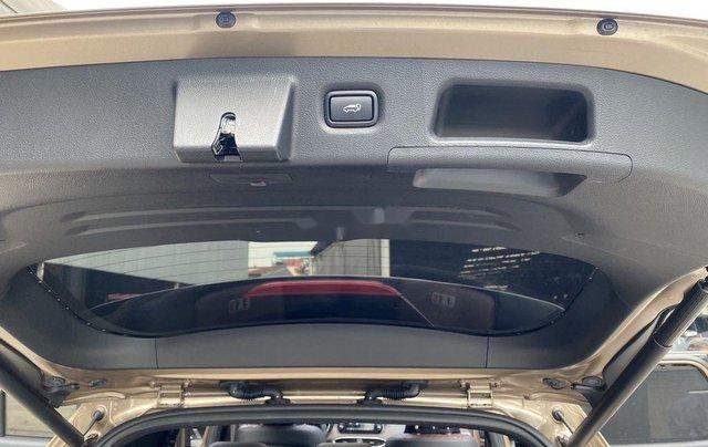 Xe Hyundai Santa Fe năm sản xuất 2020 còn mới6