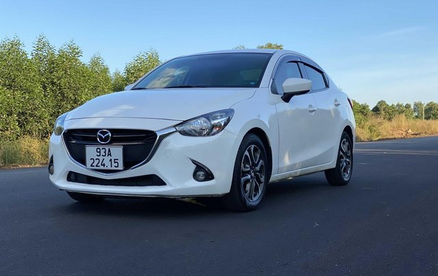 Bán Mazda 2 sản xuất 2016, màu trắng xe nhập giá chỉ 390 triệu đồng2