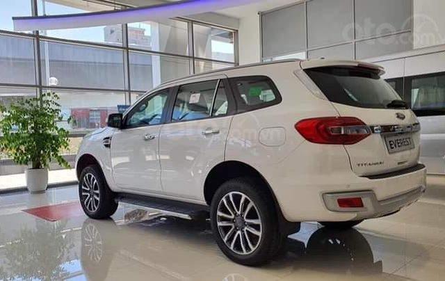 Ford Everest mới 2020 đủ màu, đủ phiên bản, giá ưu đãi, ngân hàng hỗ trợ trả góp lên đến 80%0