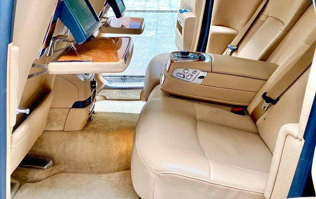 Xe chính chủ bán Rolls-Royce Ghost model 2011 màu đen nội thất kem, lăn bánh hơn 30000 km, nội thất như mới và nguyên bản8