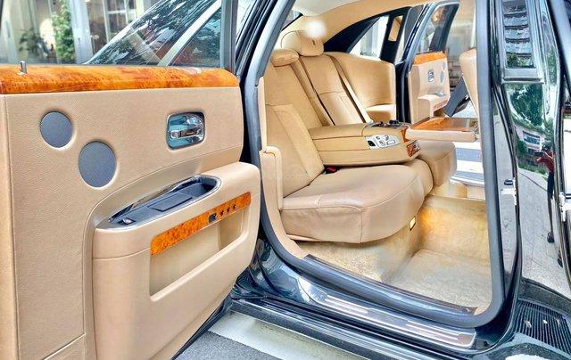 Xe chính chủ bán Rolls-Royce Ghost model 2011 màu đen nội thất kem, lăn bánh hơn 30000 km, nội thất như mới và nguyên bản7