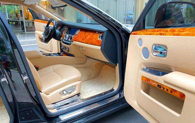 Xe chính chủ bán Rolls-Royce Ghost model 2011 màu đen nội thất kem, lăn bánh hơn 30000 km, nội thất như mới và nguyên bản6