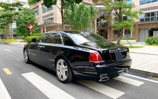 Xe chính chủ bán Rolls-Royce Ghost model 2011 màu đen nội thất kem, lăn bánh hơn 30000 km, nội thất như mới và nguyên bản5
