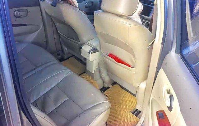 Bán ô tô Nissan Grand livina sản xuất năm 2011, màu xám, xe gia đình4